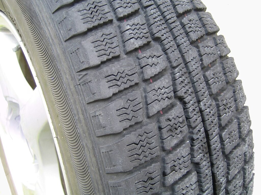 Tyre tread depth test 20p